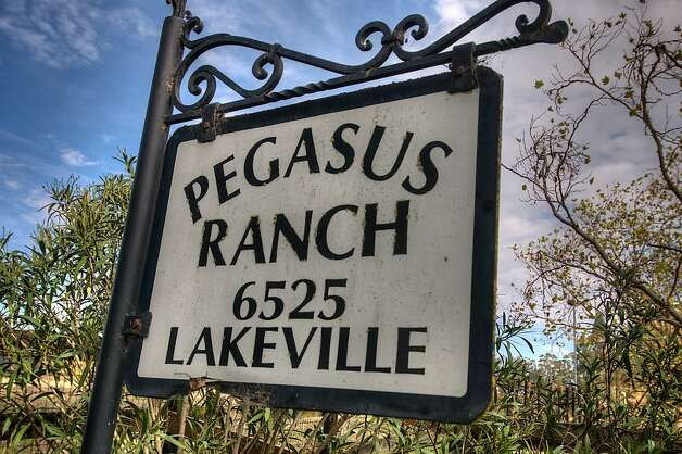 The home sits on 100 acres known as Pegasus Ranch. Photo: Matt McCourtney, McCourtney Photographics