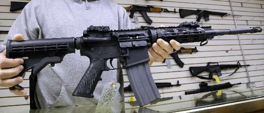 11 things to know about the AR-15  1. Mass shootings The AR-15 has been linked to some of the most notorious American shootings in the past few years. It was the weapon of choice for Adam Lanza who killed 20 children and six adults at Sandy Hook Elementary School in 2012. The gun also used at the San Bernardino, Calif. shooting in December.Omar Mateen killed 49 people Sunday at a gay nightclub Sunday in Orlando. He used a Sig Sauer MCX, similar to an AR-15 but not the same firearm.  Media outlets initially reported Mateen used an AR-15, bringing the firearm back into the public conversation on what type of guns should be available to the public.