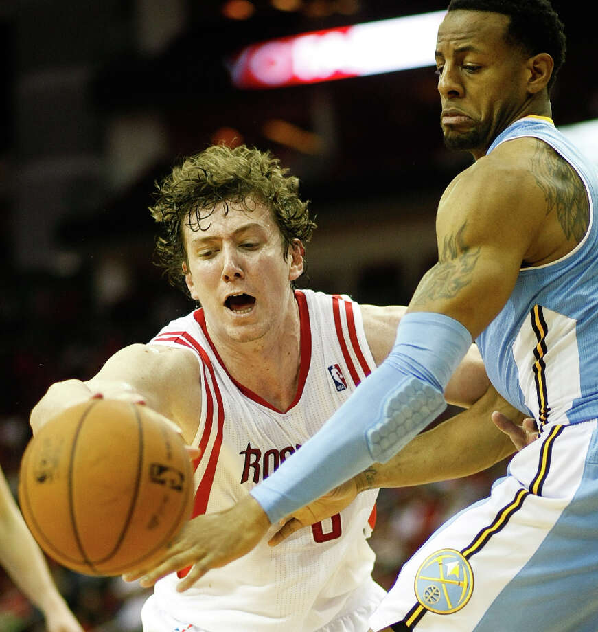 Rockets center Omer Asik (3) has trouble holding on to the ball. Photo: Nick De La Torre, Houston Chronicle / © 2013  Houston Chronicle