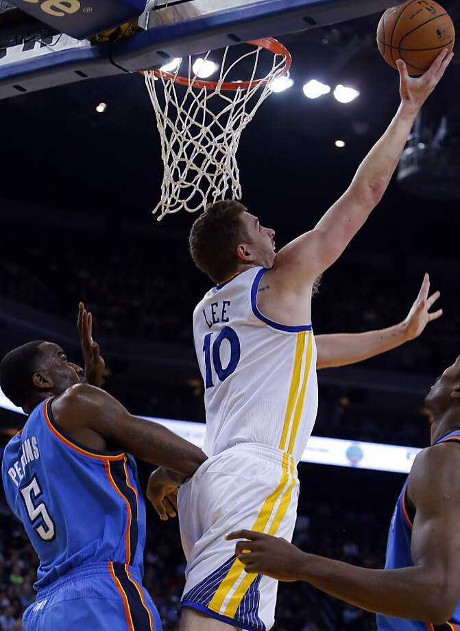 David Lee puts up a shot in the first half. The Golden State Warriors played the Oklahoma City Thunder at Oracle Arena in Oakland, Calif., on Wednesday, January 23, 2013. Photo: Carlos Avila Gonzalez, The Chronicle