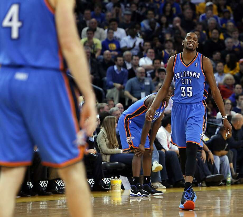 Kevin Durant reacts to a call in the final seconds of the second half. The Golden State Warriors played the Oklahoma City Thunder at Oracle Arena in Oakland, Calif., on Wednesday, January 23, 2013. Photo: Carlos Avila Gonzalez, The Chronicle