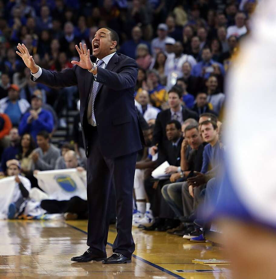 Mark Jackson signals to the Warriors in the second half. The Golden State Warriors played the Oklahoma City Thunder at Oracle Arena in Oakland, Calif., on Wednesday, January 23, 2013. Photo: Carlos Avila Gonzalez, The Chronicle