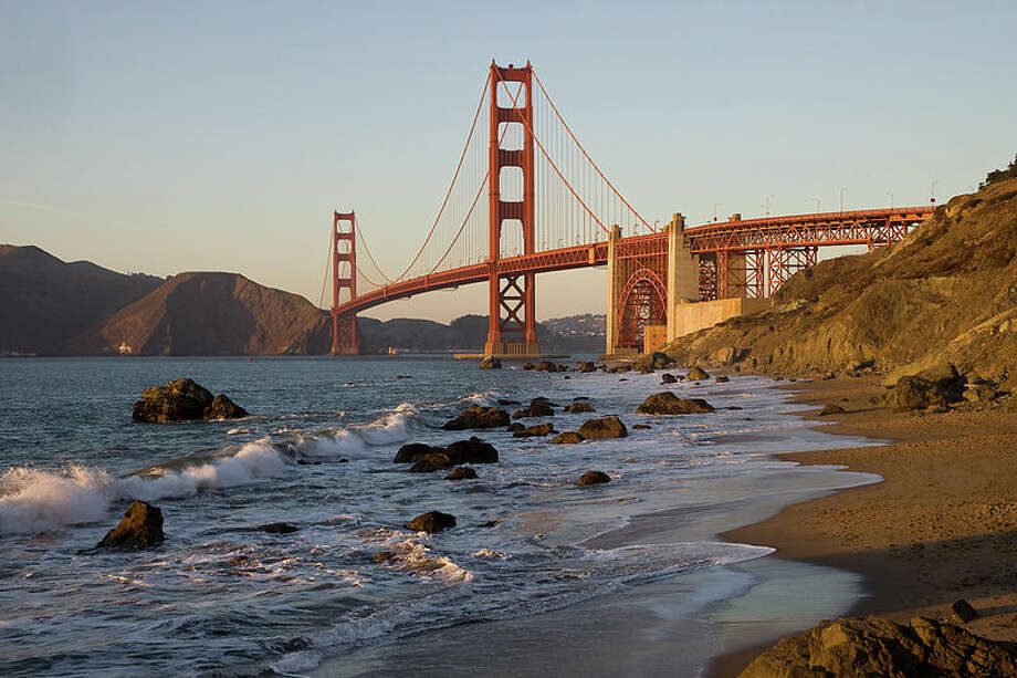 Care to walk, run, or practice yoga with a view? Baker Beach is hard to beat. Photo: Wikimedia Commons/Christian Mehlführer.