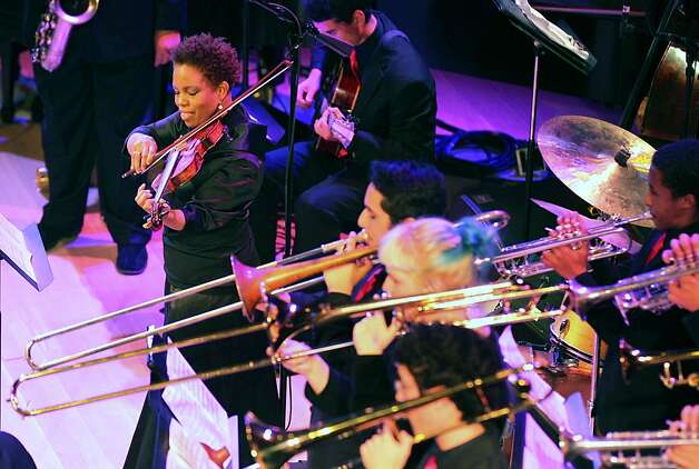 Violinist Regina Carter, performed with the SFJAZZ High School All-Stars during the opening night concert of the SFJAZZ Center Wednesday, Jan. 23, 2013 in San Francisco. Photo: Lance Iversen, The Chronicle