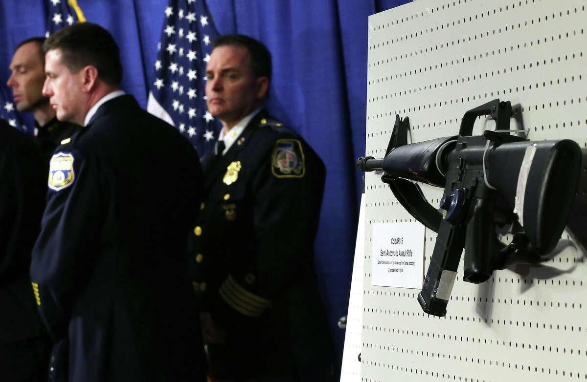 A Colt AR-15 Semi-Automatic Assault Rifle is on display during a news conference January 24, 2013 on Capitol Hill in Washington, DC. U.S. Sen. Dianne Feinstein (D-CA) announced that she will introduce a bill to ban assault weapons and high-capacity magazines capable of holding more than 10 rounds to help to stop gun violence.