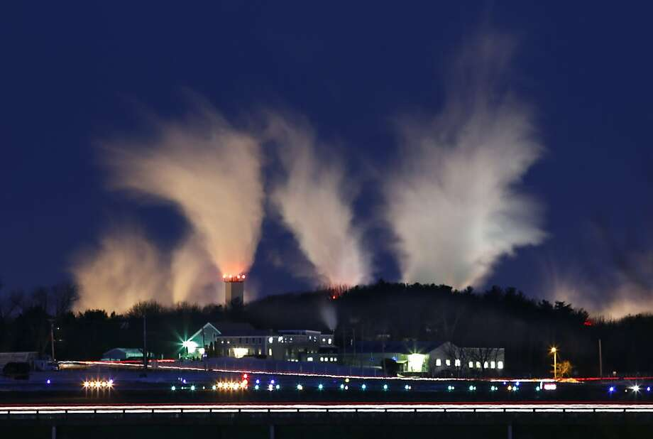 Subzero state: Steam rises from the Sappi paper mill in minus 6-degree temperatures in Westbook, Maine. Photo: Robert F. Bukaty, Associated Press