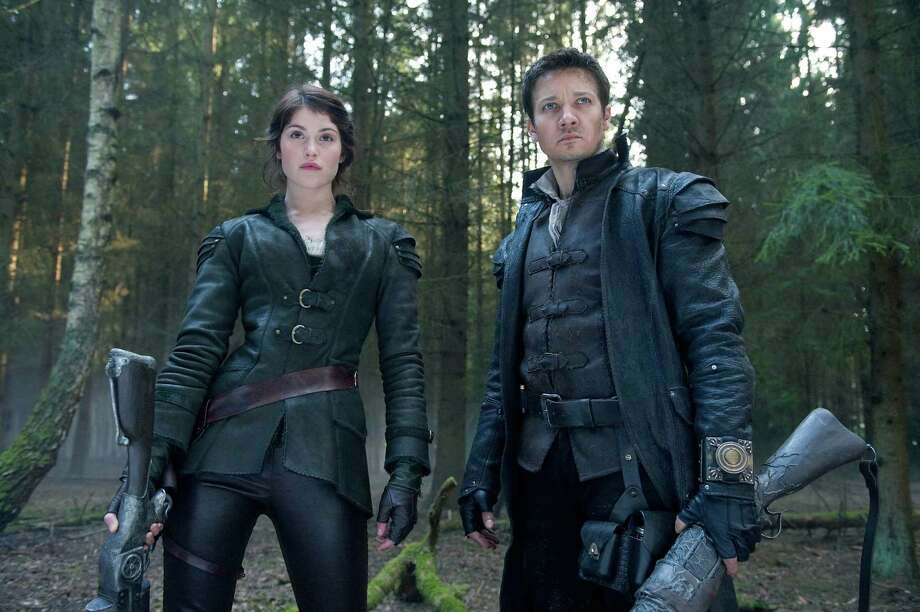 David Appleby/Paramount Pictures Left to right: Gemma Arterton plays Gretel and Jeremy Renner plays Hansel in HANSEL & GRETEL WITCH HUNTERS Photo: Photo Credit: David Appleby / © 2013 Paramount Pictures.  All Rights Reserved.
