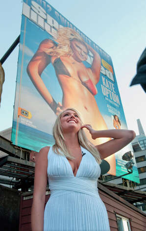 Upton is revealed as the 2012 Sports Illustrated Swimsuit issue cover. Photo: CBS Photo Archive, CBS Via Getty Images / 2012 CBS Photo Archive
