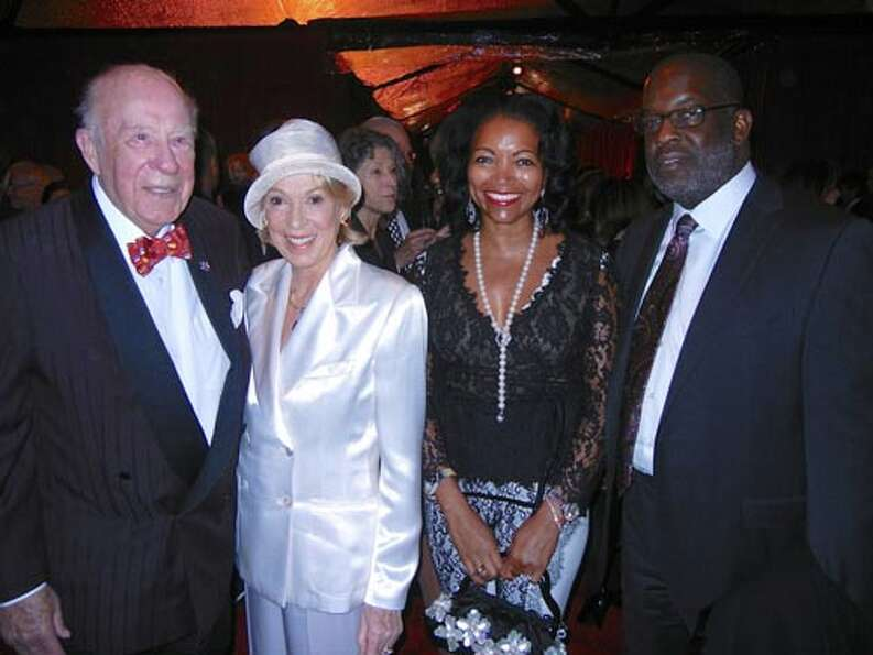 Former Sec. of State George Shultz and his missus, Protocol Chief Charlotte Shultz (left) with Denis