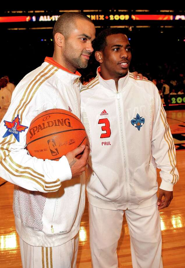 Tony Parker (L) and Chris Paul of the Wester Conference team pose during the 58th NBA All-Star Game, part of 2009 NBA All-Star Weekend at US Airways Center on February 15, 2009 in Phoenix, Arizona. Photo: Jason Merritt, Getty Images / 2009 Getty Images