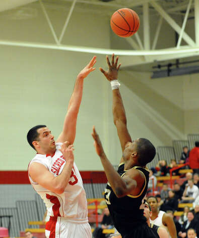 Men's basketball action between Sacred Heart and Bryant at Sacred Heart University in Fairfield, Conn. on Thursday January 24, 2013. Photo: Christian Abraham / Connecticut Post