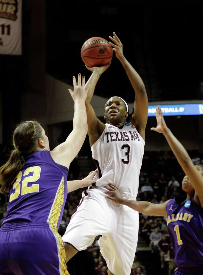 Kelsey Bone, right, has lived up to her high school accolades during her junior season at Texas A&M. Photo: David J. Phillip, STF / AP