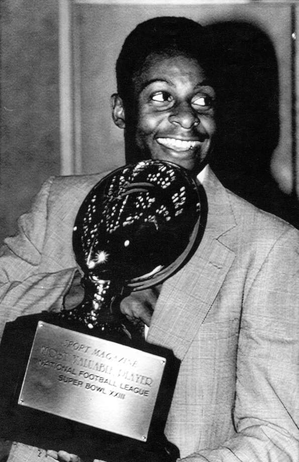 San Francisco 49ers Jerry Rice was awarded the Most Valuable Player trophy for his performance in Super Bowl XXIII by Sports Magazine. / ONLINE_YES