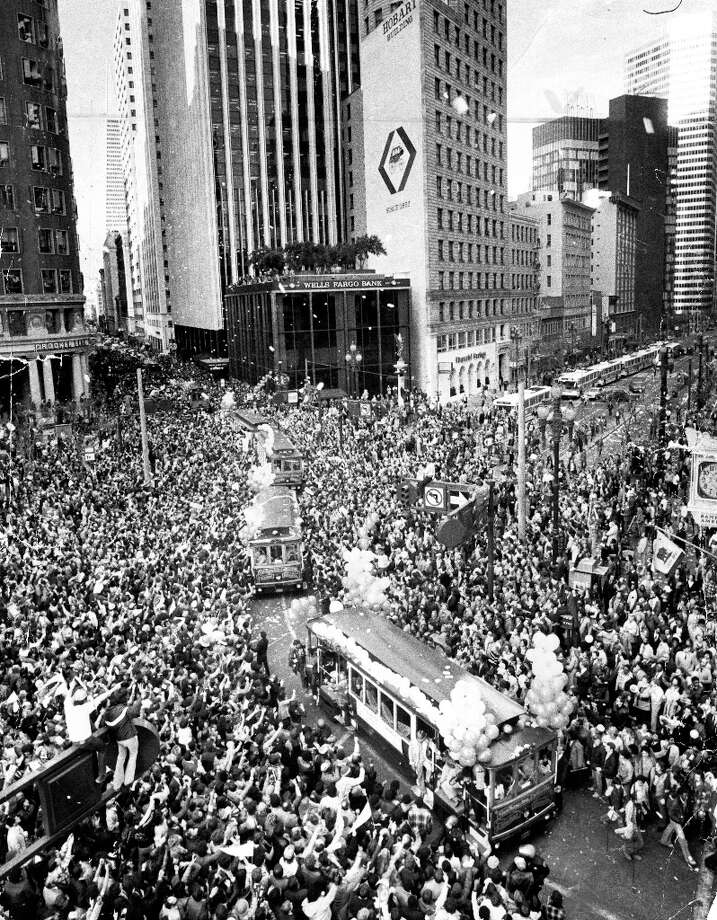 The San Francisco 49ers motorized cable car winds through downtown on Jan 26, 1990 during the Super Bowl parade Photo: Eric Luse / ONLINE_YES