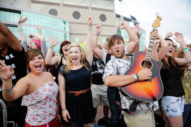 AMERICAN IDOL: San Antonio Auditions: Thousands line up for their chance to become the next AMERICAN IDOL, Thursday, June 14, 2012 at the Alamodome in San Antonio. Photo/Bahram Mark Sobhani/ FOX Photo: Mark Sobhani Photography / Mark Sobhani Photography