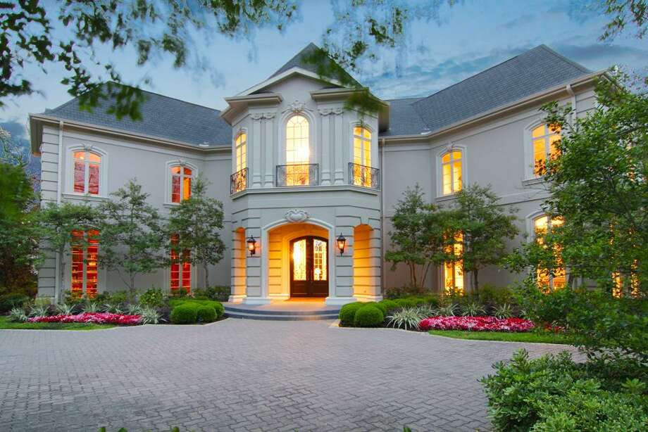 22 Grand Manor | John Daugherty, Realtors | Agent: Judy Mousa | 713-626-3930 | Photo: JDR