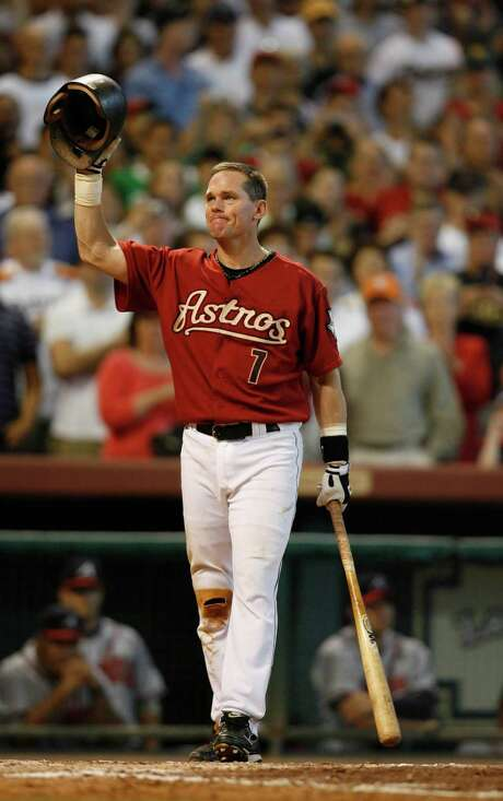 Craig Biggio acknowledges the crowd as he prepares to take his final at bat of his career in the 7th inning (ground out)  during the Houston Astros-Atlanta Braves MLB baseball game,  Sunday, Sept. 30, 2007.  This the final game of the season for the Astros, and Craig Biggio's last game of his career.  ( Karen Warren / Chronicle) Photo: Karen Warren, Staff / Houston Chronicle