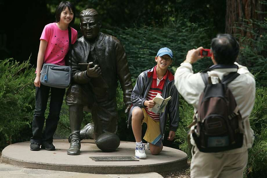 "eblstatues02_252_el.JPG Sonia Tseng,13, Taiwan, Frank Hsu,11, L.A. have their picture takin by family friend Ming Wu, L.A. Family and friends from Taiwan came to visit the US and they all decided to visit UC Berkeley. ""Pappy"" Waldorf Statue (1994) by Douglas Van Howd includes a ""game board"" inscribed with the big wins. UC Berkeley is known for its academics, its football team and its beautiful campus. But did you know that it's also known for its statues? The famous 1890s one of two football players was a gift from a renowned local sculpture to cal for winning the big game two years in a row. There are a slew of Oskis - the bear mascot on campus. And there a few whimsical and just plain odd ones.	Event on 8/17/05 in Berkeley  Eric Luse / The Chronicle  Ran on: 09-09-2005 Golden Bear (donated in 1979) near the Student Union is one of many sculptures, whimsical to just plain odd, that dot the Cal campus.  Ran on: 09-09-2005 Golden Bear (donated in 1979) near the Student Union is one of many sculptures, whimsical to just plain odd, that dot the Cal campus. Photo: Eric Luse, SFC"