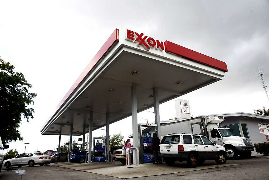 Exxon Mobil's market capitalization of $418 billion returned it to No. 1. Photo: Eric Thayer, Getty Images