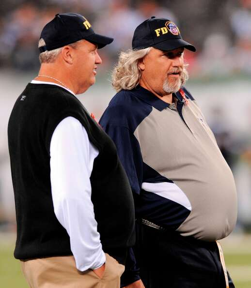 Rotund coaches Rex Ryan, left, and his brother Rob have met four times and Rex has won all four. But
