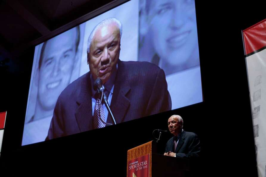 Former Sonics player and coach Lenny Wilkens accepts the Sports Citizen Award during the 78th annual