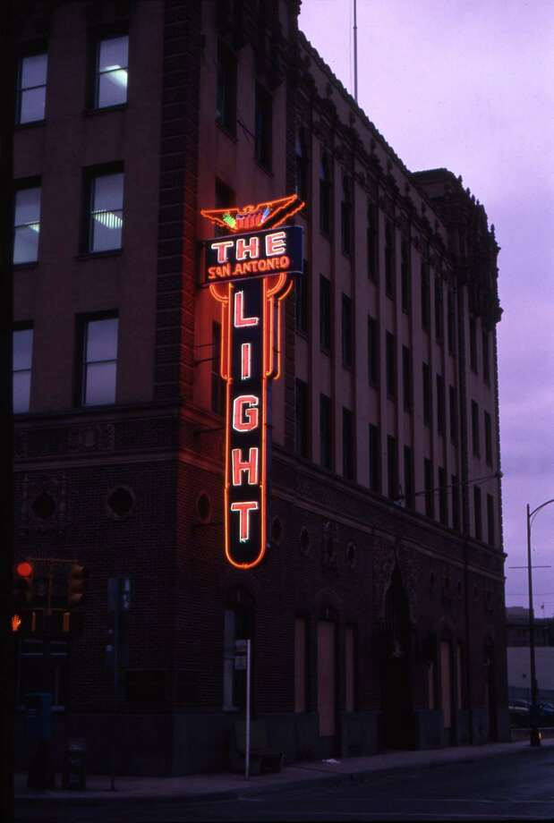 1989 photograph of the San Antonio Light building on Broadway and McCullough. The photograph was taken by former Light staff photographer James Blaylock. Photo: James Blaylock, Light File Photo