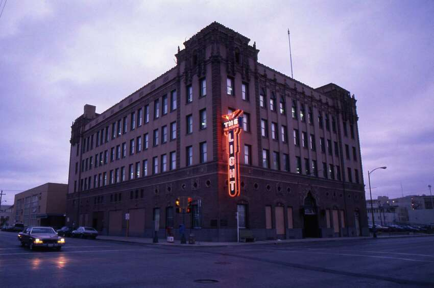 1989 photograph of the San Antonio Light building on Broadway and McCullough. The photograph was taken by former Light staff photographer James Blaylock.