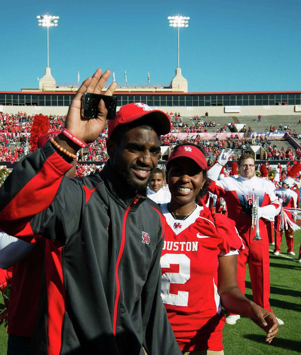 D.J. Hayden's mom, Tori, was among those showing their support for the cornerback during Houston's Nov. 24 game at Robertson Stadium. D.J. and Tori were on the sidelines just 18 days after a blow to his sternum during a UH practice left him in a fight for his life.