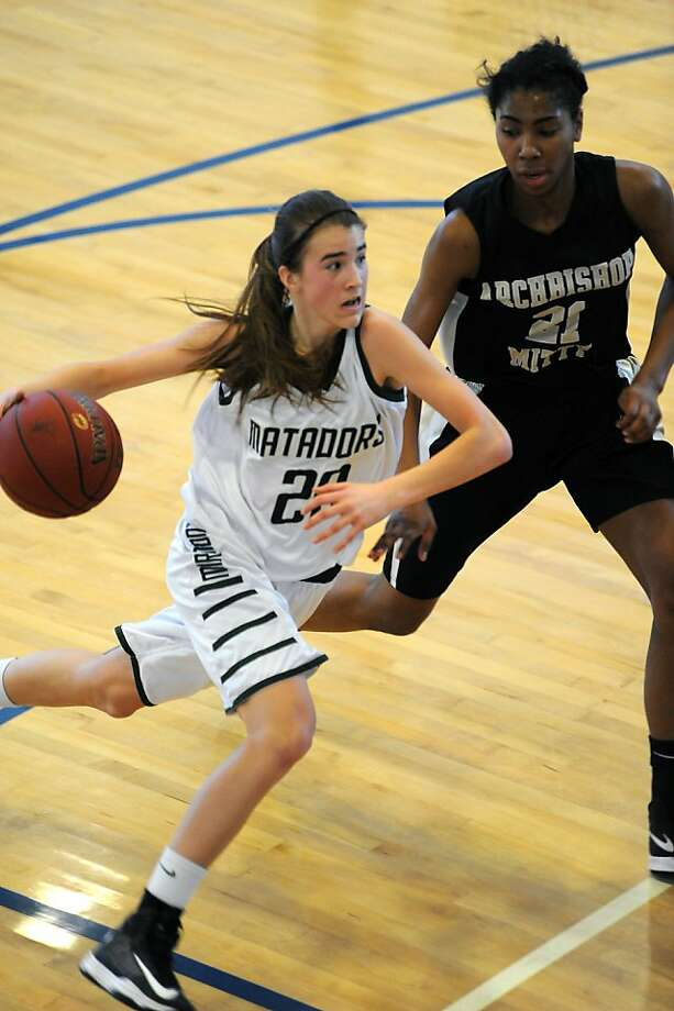 Miramonte freshman Sabrina Ionescu, who scored 24 points, drives the lane against Mitty's All-Metro forward, Kelli Hayes. Photo: Michael Short, Special To The Chronicle