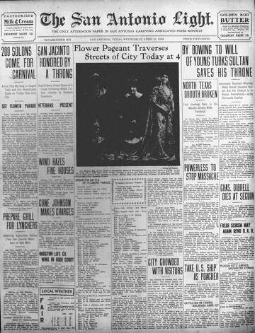 WEDNESDAY, APRIL 21, 1909: San Antonio was excited for the Battle of Flowers Parade, the first to feature the Order of the Alamo. Photo: San Antonio Light Archives