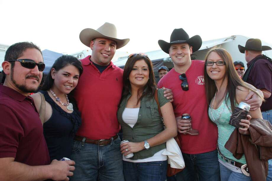 Many enjoyed the rodeo concert & cook-off on Saturday. Photo: Libby Castillo For MySA.com