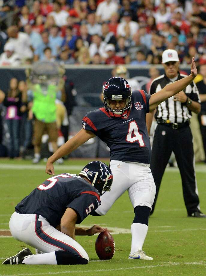 Randy Bullock (right), Houston Texans kicker Photo: Dave Einsel, Associated Press / FR43584 AP