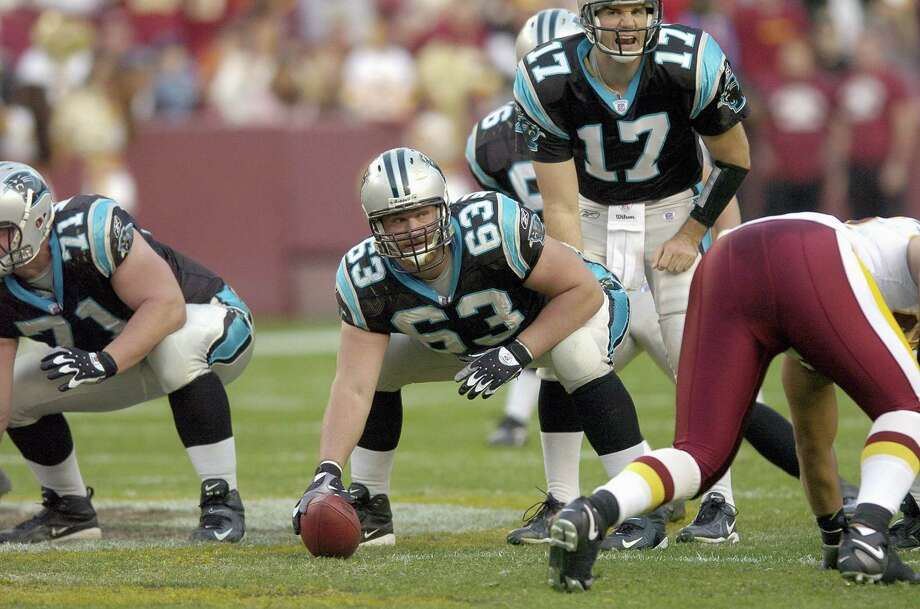 Geoff Hangartner (63), Carolina Panthers center Photo: Greg Fiume, Getty Images / 2006 Getty Images