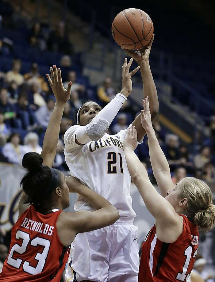 California's Reshanda Gray (21) shoots over Utah's Ariel Reynolds (23) and Rachel Messer, right, in the second half of an NCAA college basketball game Sunday, Jan. 27, 2013, in Berkeley, Calif. (AP Photo/Ben Margot) Photo: Ben Margot, Associated Press