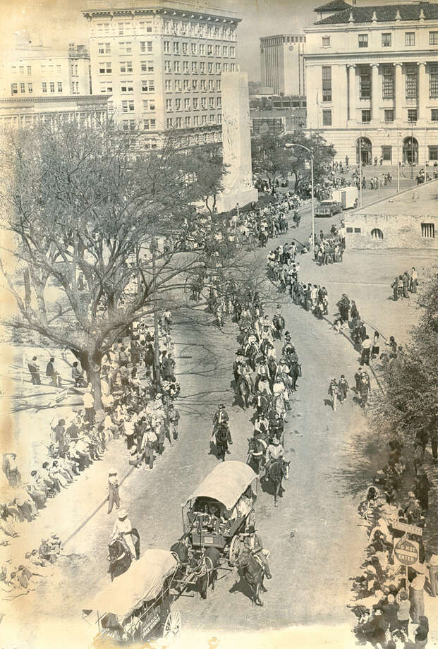 The parade marking the beginning of the San Antonio Stock Show & Rodeo makes its way through downtown in 1982. Photo: San Antonio Express-News File Photo