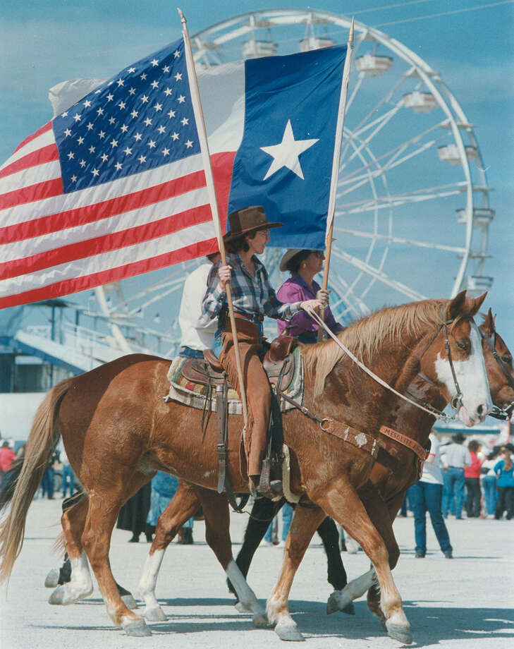 Trail riders arrive at Freeman Coliseum for the San Antonio Stock Show & Rodeo on Feb. 7, 1990. Photo: San Antonio Express-News File Photo