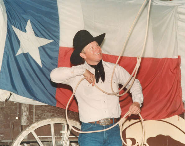 Kevin Fitzpatrick of the Rio Cibilo Ranch does a rope trick at the San Antonio Stock Show & Rodeo on Feb. 14, 1989. Photo: San Antonio Express-News File Photo