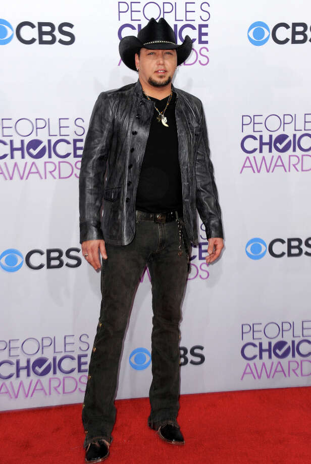 Jason Aldean arrives at the People's Choice Awards at the Nokia Theatre on Wednesday Jan. 9, 2013, in Los Angeles. Photo: Jordan Strauss, Jordan Strauss/Invision/AP / Invision