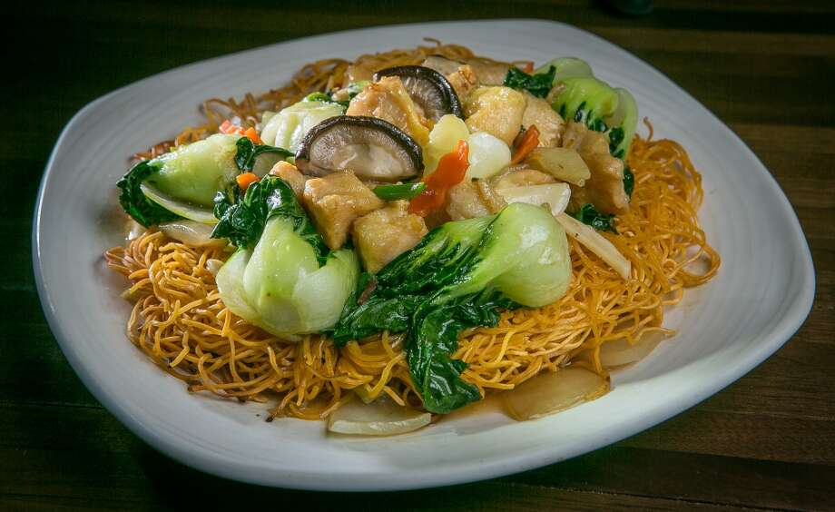 The noodle show is a clear indication of what to order ... Other noodle dishes include the Hong Kong-style crispy noodles ($16) topped with chicken, mushrooms, bell peppers and house-made XO sauce.
