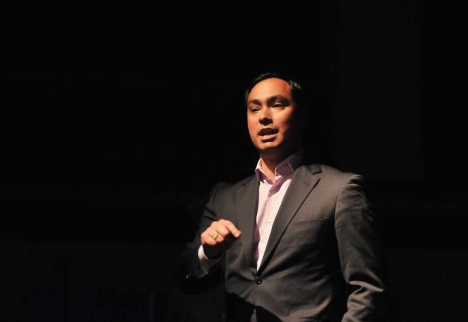 State Rep. Joaquín Castro speaks during the Librotraficante Banned Book Bash at the Guadalupe Theater.