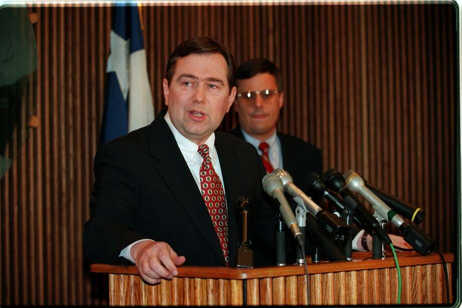 HOUCHRON CAPTION (02/11/98): Steve Stockman faces heat for failing to report the return of campaign funds. Photo: D. Fahleson, Houston Chronicle / Houston Chronicle