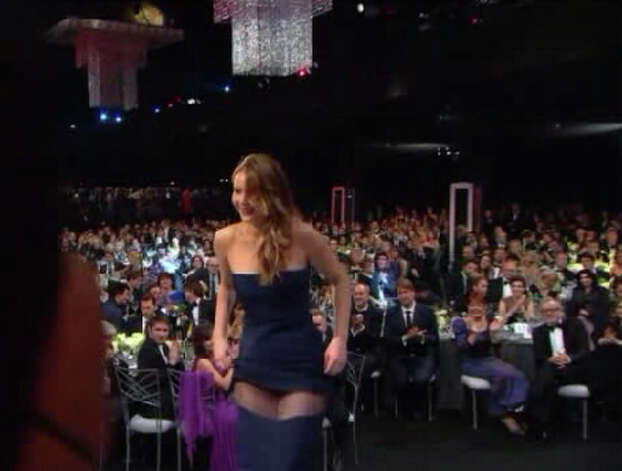 Did Jennifer Lawrence mean to show so much thigh while accepting a SAG award January 27, 2013?