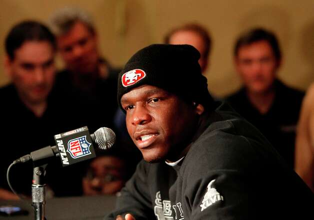 Running back Frank Gore speaks with reporters as the San Francisco 49ers hold their daily press conference at the New Orleans Marriott hotel in New Orleans, Louisiana  on Monday Jan. 28,  2013. 49er Photo: Michael Macor, The Chronicle / ONLINE_YES