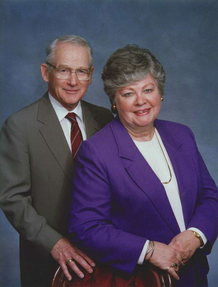 Robert D. Larsson and his wife of 60 years, Carolyn Larsson. (Photo courtesy of the Larsson family.