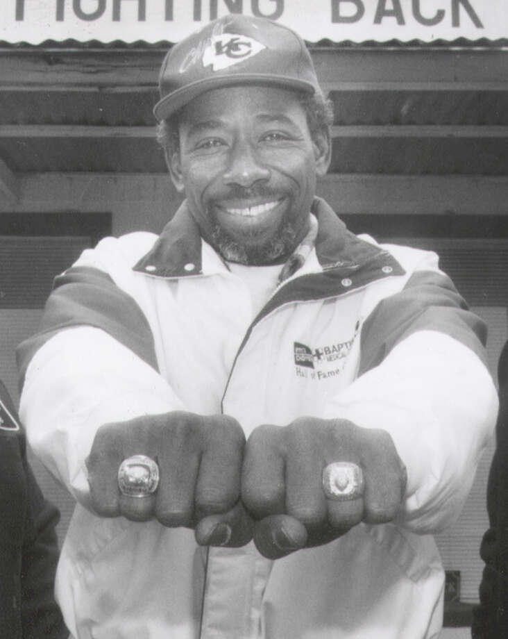 Willie Mitchell, Wheatley High SchoolMitchell, a cornerback, played in two Super Bowls with the Kansas City Chiefs. They won Super Bowl IV (1970) against the Minnesota Vikings, and lost Super Bowl I (1967) to the Green Bay Packers.  PHOTO: Mitchell shows off his championship rings in this undated photo. Photo: San Antonio Express-News File Photo / SAN ANTONIO EXPRESS-NEWS