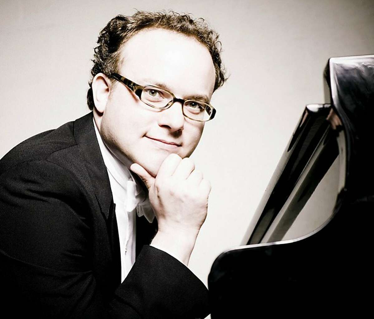 Pianist Nicolas Hodges' performance was framed by Debussy's two books of Etudes.
