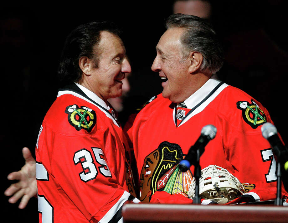 In the hockey world, former Chicago Blackhawks goalie Tony Esposito, left, and his brother Phil, right, are probably the most famous. Photo: Brian Kersey, ASSOCIATED PRESS / AP2008