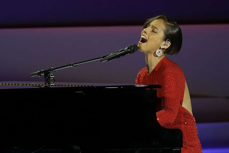 How long will Alicia Keys take to sing the National Anthem?Line: Over/under 2 minutes, 15 seconds Photo: Paul Sancya, Associated Press