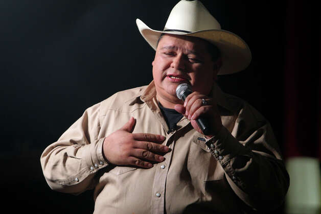 Raulito Navaira will perform on Friday at Graham Central Station. File photo Photo: TOM REEL, SAN ANTONIO EXPRESS-NEWS / © 2010 San Antonio Express-News