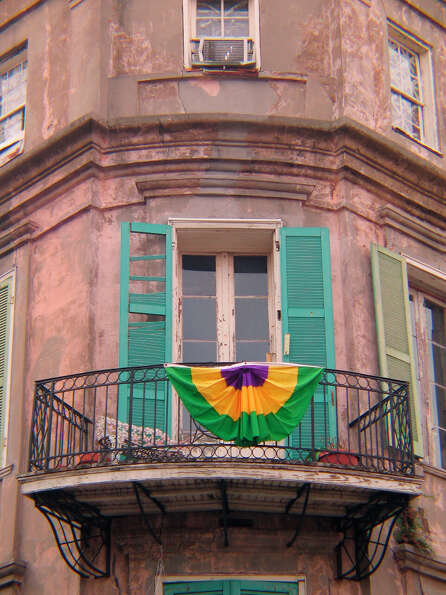 DO: Learn a little about the architecture. The French Quarter and Garden District are made for walki